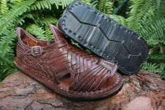 Huaraches Shoes, Tire Tread, Brown Fashion, Men's Fashion, Shoe Size Conversion, Vegetable Tanned Leather, Leather Sandals, Mexican, Shoes Handmade
