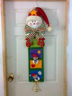 navideños Felt Christmas, All Things Christmas, Handmade Christmas, Christmas Holidays, Christmas Wreaths, Christmas Decorations, Christmas Ornaments, Diy Projects Handmade, Felt Diy