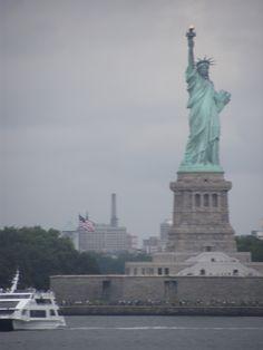 Miss Liberty nella foschia mattutina