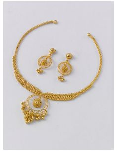 Gold Ring Designs, Gold Bangles Design, Gold Jewellery Design, Jewelry Design Earrings, Gold Earrings Designs, Simple Necklace Designs, Fashion Earrings, Gold Jewelry Simple, Bridal Jewelry