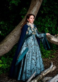 Lady Catelyn Tully Stark Garment Game of Thrones cosplay costume Stoneheart – Volto Nero Costumes Medieval Dress, Medieval Fashion, Medieval Clothing, Game Of Thrones Cosplay, Game Of Thrones Costumes, Moda Lolita, Hollywood Costume, Renaissance, Fantasy Gowns