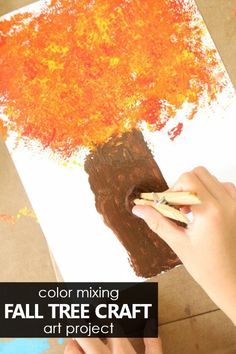fall art projects for kids Toddlers, preschoolers, and kindergarteners can explore colors in this Color Mixing Fall Tree Craft for Kids, a fun fall art project. Science For Toddlers, Creative Activities For Kids, Autumn Activities, Toddler Activities, Creative Kids, Preschool At Home, Preschool Themes, Preschool Activities, Pesto
