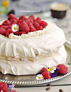 Keto Cake, Pavlova, Cheesecake, Sweets, Recipes, Food, Baby Shower, Deserts, Mudpie