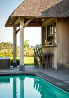 🌟Tante S!fr@ loves this📌🌟 Pool Bar, Pergola, Bungalow, Thatched House, Hacienda Style, Garden Buildings, Outdoor Garden Furniture, Outdoor Flooring, Cool Pools