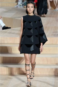 Valentino | Fall 2015 Couture | 16 Grey printed one sleeve mini dress