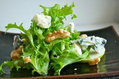 Pæresalat med gorgonzola og valnøtter | Spiselandslaget Lettuce, Spinach, Vegetables, Food, Essen, Vegetable Recipes, Meals, Yemek, Salads