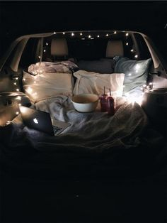 car night Car date only thing that would make it better is watching a Disney or Marvel mov. Car date only thing that would make it better is watching a Disney or Marvel movie Vsco, Camping Accesorios, Car Dates, Movie Dates, Fun Sleepover Ideas, Cute Date Ideas, Date Ideas For Teens, Dream Dates, Film Disney