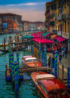 Grand Canal, Venice , Italy  photo source: newwonderfulphot