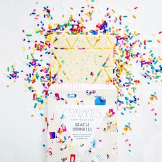 Treat yo' self this Friday with a sprinkle-licious Gray Malin x Compartes chocolate bar xx