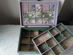 caja de madera con dos pisos de compartimentos realizada con decoupage y pintada a mano