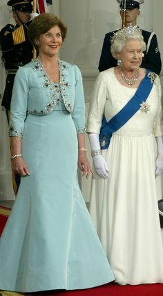 Laura Bush and Queen Elizabeth at The White House, 2007.  And THIS is how you dress as First Lady when the world is watching.