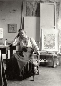 Hilma Af Klint (1862-1944) was a pioneer of art that turned away from visible reality. She assumed that there was a spiritual dimension to life and aimed at visualizing contexts beyond what the eye can see. through her paintings, she sought to understand and communicate the various dimensions of human existence.