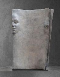 Page blanche Bronze de Paola Grizi A découvrir à la Melting Art Gallery - Lille (France)