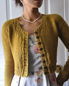 Fitted cardigan, lovely neckline, and pearls   sweater pattern on Ravelry: hapichick's Fall m.i.e.t.t.e