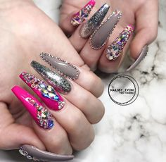 Evon I Like this Set ♀️♀️ Pinterest @Hair,Nails,And Style