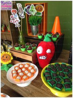 Plants vs. Zombies themed birthday party via Kara's Party Ideas KarasPartyIdeas.com Cakes, decor, desserts, cupcakes, printables, and more! #plantsvszombies #plantsvszombiesparty #karaspartyideas (9)