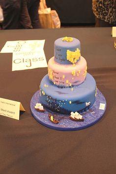 ディズニープリンセス別♡ウェディングケーキの可愛いデザインアイデア*にて紹介している画像: