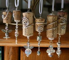 3 DIY Weinflasche Handwerk – Schmuck und Make-up Veranstalter 3 DIY wine bottle craft – jewelry and makeup organizer Wine Craft, Wine Cork Crafts, Wine Bottle Crafts, Crafts With Corks, Stick Crafts, Alcohol Bottle Crafts, Wood Crafts, Wine Cork Ornaments, Diy Christmas Ornaments