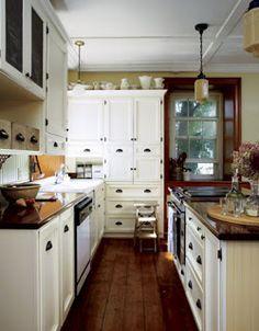 KITCHEN STORAGE: Thinking of Kitchen Pantry Storage Remodel