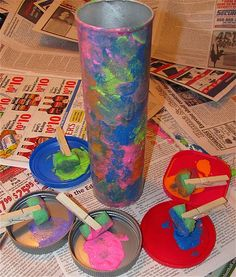 """making a kaleidoscope out of a pringles can...plus I LOVE the """"paintbrushes"""""""