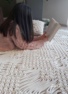 """""""zia zen bed"""" macrame runner is a unique home decoration, made from high quality recicled cotton cord. All of our products are made with traditional macrame handmade technique and a minimal modern design. Zen Bed, Decoration Bedroom, Bed Runner, Macrame Patterns, Handmade Home, Merino Wool Blanket, Modern Design, Etsy, Home Decor"""
