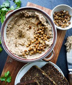 Linsepostej – Opskrift på nem vegansk linsepostej på 15 min. Cereal, Oatmeal, Breakfast, The Oatmeal, Morning Coffee, Rolled Oats, Breakfast Cereal, Corn Flakes, Overnight Oatmeal