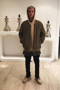 Justin Bieber wearing Undercover Blouson Undercover Homme, Adidas Yeezy Boost 350 , Fear of God The Everyday Hoodie, Fear of God Slim-Fit Drawstring Trousers, Stampd Boxy T-Shirt