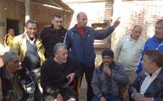 وقفة احتجاجية للعاملين بشركة مياه الشرب ببورسعيد للمطالبة باقلة رئيس القطاع وزيادة بدل غذاء الي 300 جنية وصرف مستحقات المحالين للمعاش