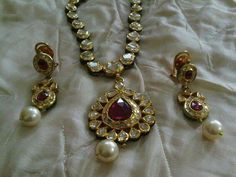Uncut diamond ruby n pearls set - Modern India Jewelry, Gold Jewelry, Jewelery, Antique Jewelry, Pearl Set, Uncut Diamond, Ancient Jewelry, Wedding Jewelry, Jewelry Collection