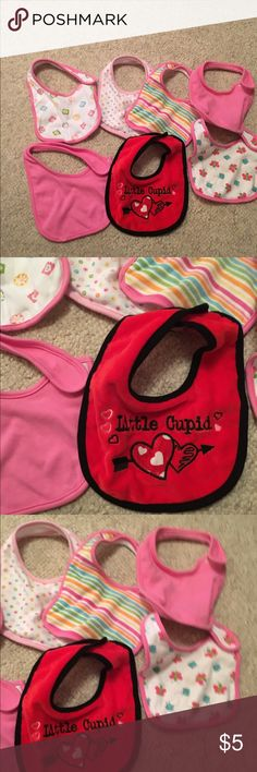7 baby girl bibs 7 baby girl bibs in used but nice condition one or 2 of them have a little fuzz on Velcro see the fourth pick I took bundle # 310 Accessories Bibs