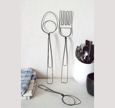 Wire fork and spoon.  Déco murale cuisine, idée deco