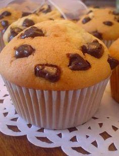 Yaklaşık bir ay kadar önce yaptığım bu muffini ancak şimdi yayınlayabiliyorum. İyi ki de piştikten hemen sonra resmini çekmişim çünkü çok k...