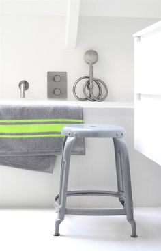 HKliving - gray with neon