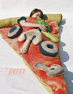 pizza sleeping bag. want