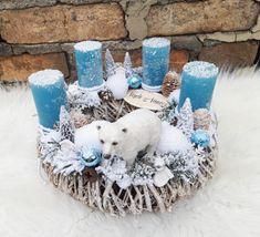 Christmas Candles, Christmas Centerpieces, Christmas Wreaths, Christmas Crafts, Christmas Decorations, Xmas, Couronne Diy, Wood Boxes, Lanterns