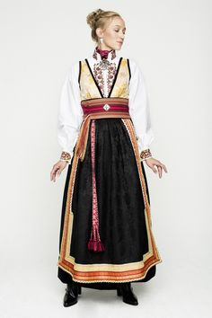 Fantasistakker Folk Costume, Costumes, Fashion Art, Womens Fashion, Dress Outfits, Dresses, Scandinavian Design, Traditional Outfits, Style Inspiration