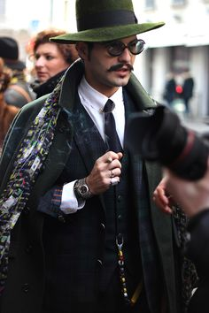For the second day of Milan Fashion Week, Emilio Murolo bring us new looks photographed in the streets of Milan in exclusive for Fucking Young! Men Street, Street Wear, Mens Fashion, Fashion Outfits, Milan Fashion, Mens Fall, Minimal Fashion, Hats For Men, Autumn Winter Fashion