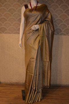 Handwoven pure Tussar Munga silk saree in golden color Simple Sarees, Trendy Sarees, Stylish Sarees, Silk Sarees Online Shopping, Sarees Online India, Saree Blouse Neck Designs, Blouse Designs, Golden Saree, Formal Saree