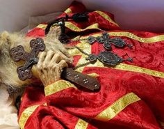 PHOTOS: Personal Testimony to Archbishop Dimitri's Incorrupt Relics / OrthoChristian. Incorruptible Saints, Byzantine Icons, Orthodox Christianity, Bible Knowledge, Orthodox Icons, Old Things, Lord, Blessings, Spiritual