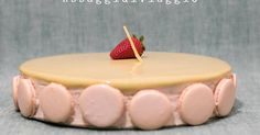 Assaggidiviaggio: MTChallenge di Aprile: Torta moderna con pan di spagna al pistacchio, bavarese alle fragole e lemon curd