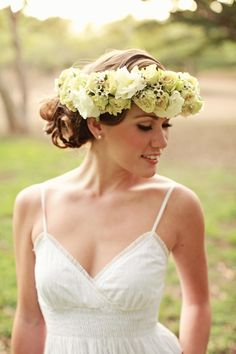 Trends We Love: The Flower Crown | Photo by Creatrix Photography | Via NorCal Wedding
