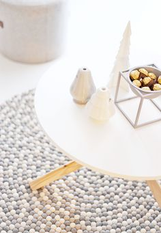 My Christmas gift to myself - The gorgeous gray Kubus bowl from By Lassen. Love my felth ball rug and candle holders from Kähler as well.  Perfect decor in my scandinavian home. :)  http://www.reidunbeate.com/2015/12/27/til-reidun-fra-reidun-julegaven-til-meg-selv/