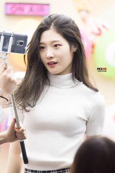 Jung Chae-yeon : chae-yeon, Chaeyeon, Ideas, Chaeyeon,