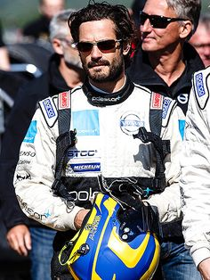 UPDATE:Prince Carl~He's postponing racing! Whilst previously resisting Family Pressure to Quit Racing after Crash:'Mum Is a Little Worried'