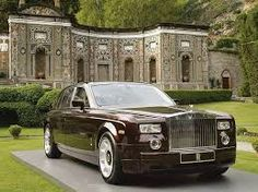 my rolce royce arrived in Italy behind is the showroom