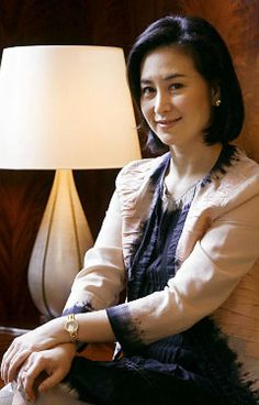 Pansy Catalina Ho Chiu-king ONM (born on 26 August 1962) is the daughter of Hong Kong- and Macau-based businessman Stanley Ho, and the managing director of various companies he founded, including Shun Tak Holdings and the Sociedade de Turismo e Diversões de Macau.