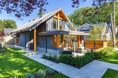Small Laneway House with Attractive Modern Design - Vancouver, British Columbia, Canada