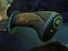Knife Art, Knife Handles, Knives And Swords, Knife Making, Axe, Handmade Knives, Carving, Leather, Weapons