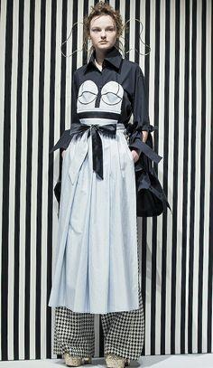 ☆「アキコアオキ(AKIKOAOKI   FALL 2017)」が2017-18年秋冬コレクションを東京で発表した
