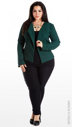 Plus size suits for women have a great demand in the market. Women who seek clothes for this segment of garments have realized that it is prerogative to look as good as any other woman. Plus Size Business Attire, Business Professional Outfits, Business Casual Outfits, Office Wear Plus Size, Plus Size Professional, Professional Wardrobe, Young Professional, Business Fashion, Big Size Fashion
